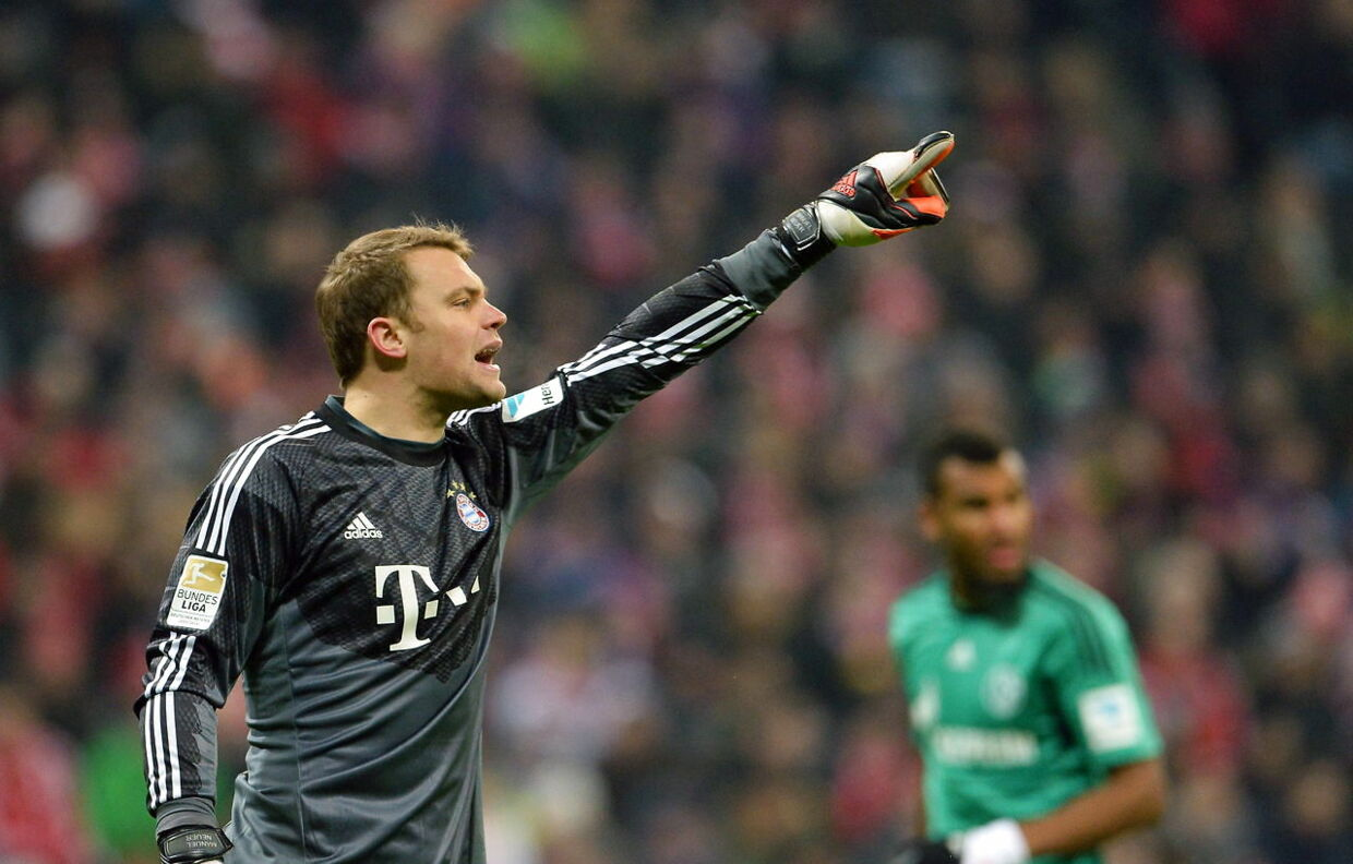 epa04602673 Munich's goalkeeper Manuel Neuer gestures during the German Bundesliga soccer match FC Bayern Munich vs FC Schalke 04 at Allianz Arena stadium in Munich, Germany, 03 February 2015. (EMBARGO CONDITIONS - ATTENTION - Due to the accreditation guidelines, the DFL only permits the publication and utilisation of up to 15 pictures per match on the internet and in online media during the match) EPA/ANDREAS GEBERT (EMBARGO CONDITIONS - ATTENTION - Due to the accreditation guidelines, the DFL only permits the publication and utilisation of up to 15 pictures per match on the internet and in online media during the match)