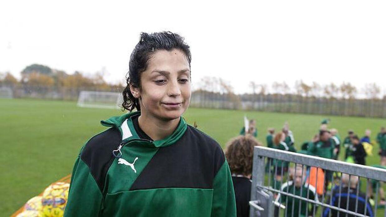 Nadia Nadim efter træning med kvindelandsholdet i Dragør.