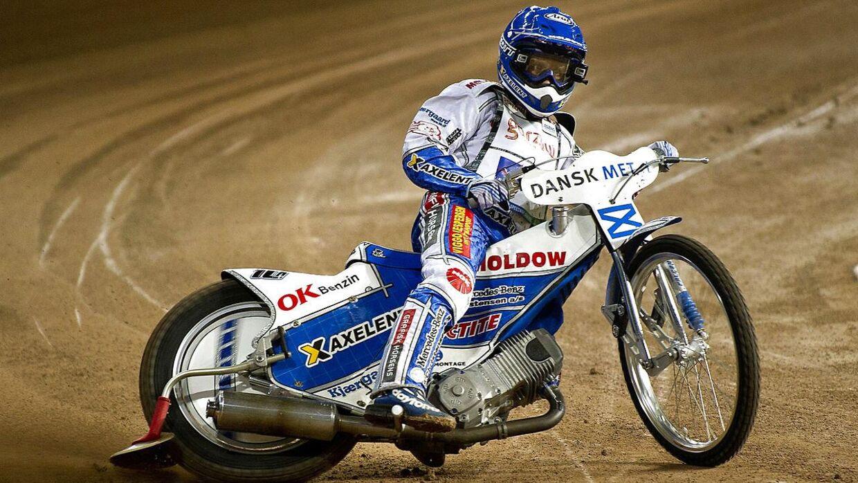 40-årige Nicki Pedersen regner med at få wildcard til næste års VM-serie. Danskeren har tre gange vundet VM i speedway.