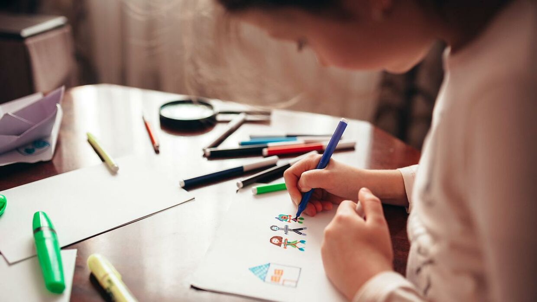 Børnetegninger fra de seneste 15 år, viser ifølge eksperter, at børn er blevet mindre gode til at udtrykke sig på et stykke papir. Arkivfoto