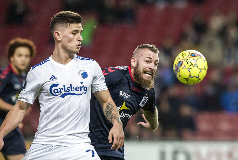Søndag d. 22. oktober 2017. Alka Superliga i Telia Parken. FC København vs. AGF. Benjamin Verbic, FC København og Martin Spelmann, AGF