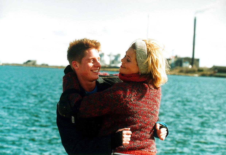 Her ses de to i rollerne som Anja og Viktor.
