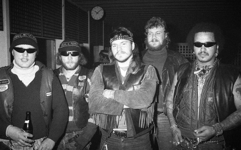 Makrellen fra rockergruppen Bullshit i forbindelse med tv-udsendelsen 'Mellem mennesker' i TV-byen den 28. november 1983.