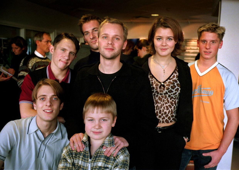 f2bf9992 'Kærlighed ved første hik'-holdet tilbage i 1998. 'Kærlighed ved første  hik'-holdet tilbage i 1998.