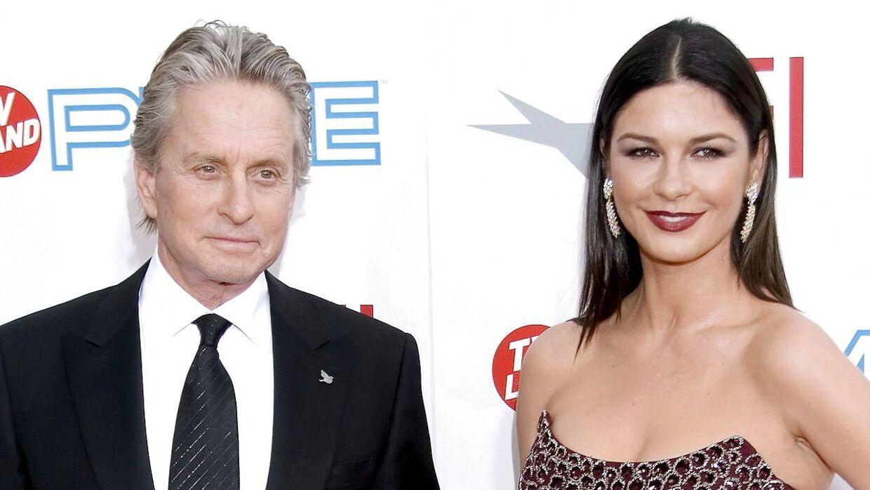 Her ses skuespillerinden med sin mand i 2009.