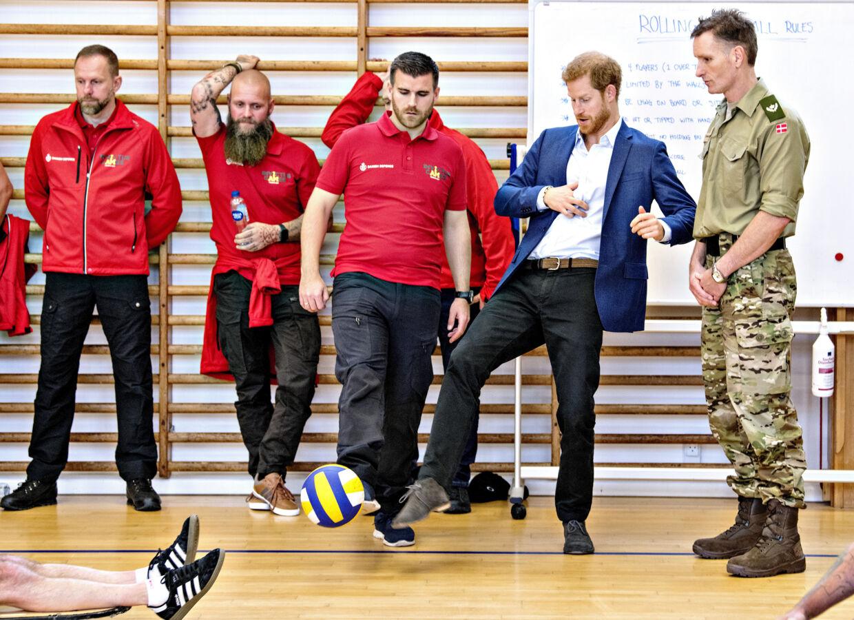 Prins Harry af Storbritannien gæster Danmark. Torsdag d. 26. oktober besøgte han blandt andet Svanemøllen Kaserne. (Foto: Bax Lindhardt/ Scanpix)