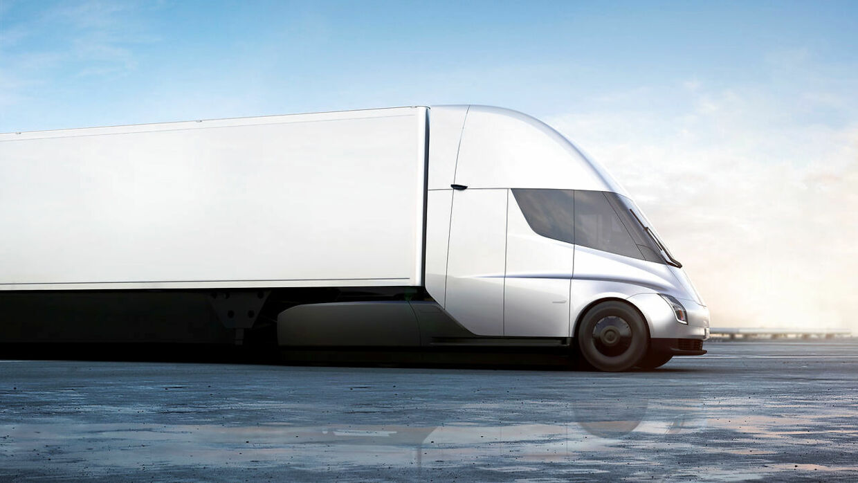 The Tesla Semi, the company's electric big-rig truck is seen in this undated handout image released on November 16, 2017. Tesla/Handout via REUTERS ATTENTION EDITORS - THIS IMAGE WAS PROVIDED BY A THIRD PARTY.NO RESALES.NO ARCHIVE.