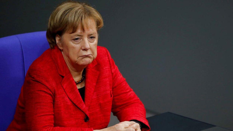 Den tyske forbundskansler Angela Merkel er i overraskende store problemer, efter forhandlinger om et regeringssamarbejde er faldet sammen i Tyskland