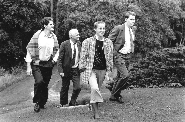 De socialdemokratiske forhandlere på Marienborg under en pause i forhandlingerne 1989. Mogens Lykketoft, Svend Auken, Ritt Bjerregaard og Poul Nyrup Rasmussen.