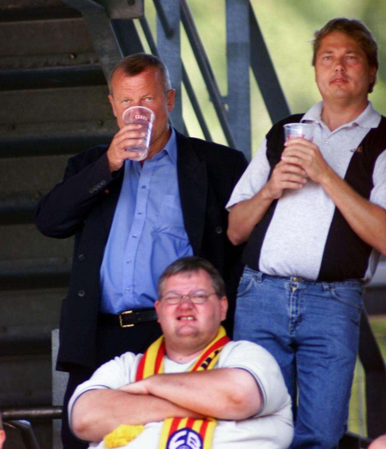 Michael Henriksen (th.) på stadion i Farum sammen med Peter Brixtofte (tv.) tilbage i 2002