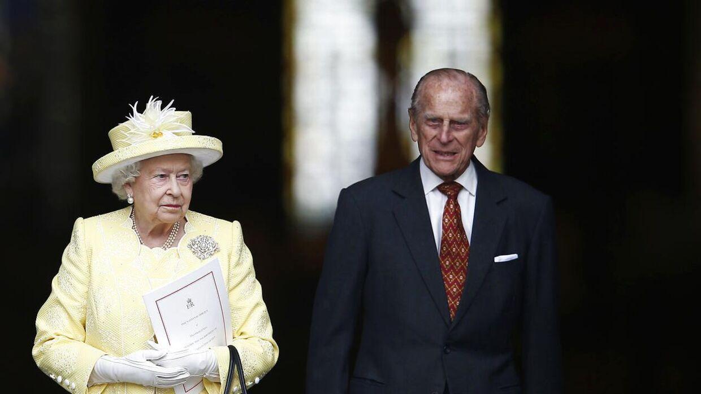 Sidste sommer fyldte dronning Elizabeth 90. Her forlader hun og prins Philip en højtidelighed i St Paul katedralen i anledning af dagen.