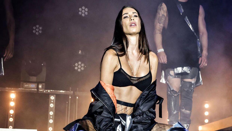 Medina er et af de navne, der er planlagt til at spille på Rock i Haven i Roskilde til næste år. Her ses hun under en koncert til Fredagsrock i Tivoli.