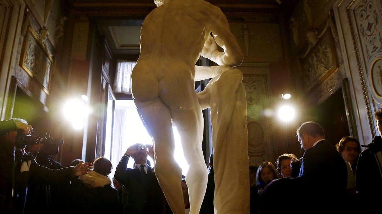 Spanske konservatorer har fundet et håndskrevent brev i numsen på en statue. Billedet er blot et modelfoto, og det er ikke den pågældende statue, der er på billedet. Den omtalte statue kan ses i videoen neders i artiklen.
