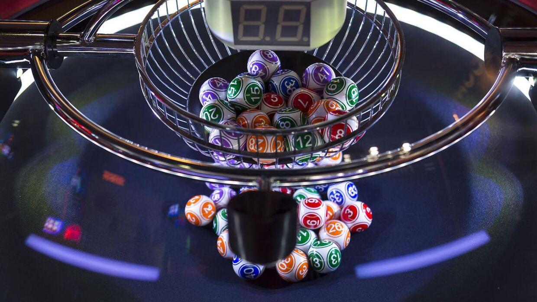 tal 30 år Ægtepar har spillet samme lotto tal i 30 år: Lørdag var der  tal 30 år