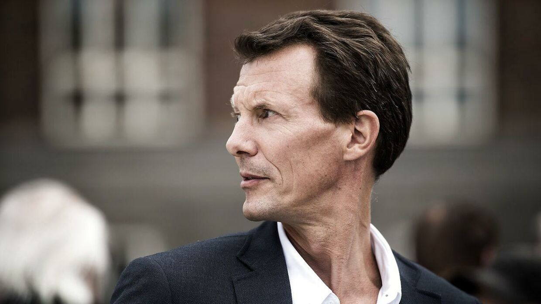 I en ny dokumentar fortæller prins Joachim hudløst ærligt om, hvor hårdt skilsmissen tog på ham i 2004.