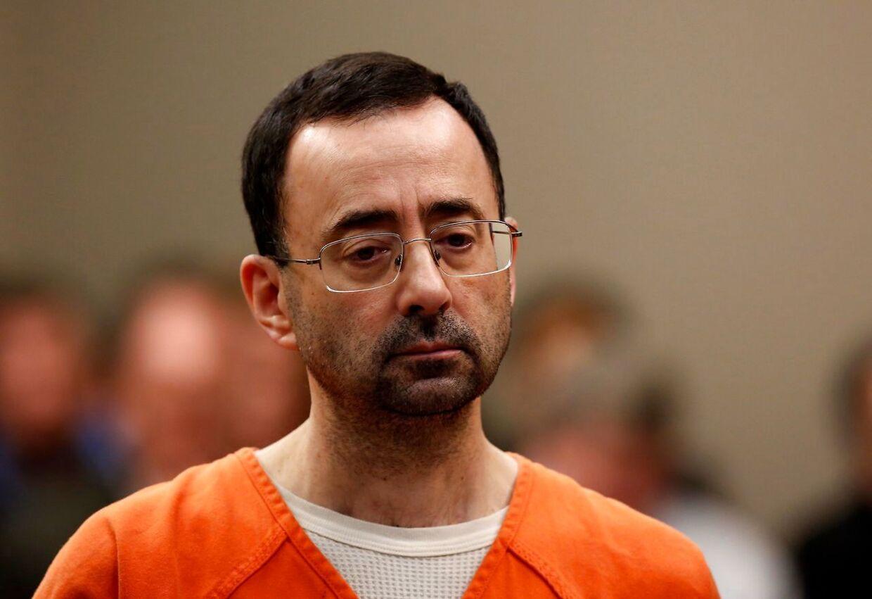Før jul fik gymnastiklandsholdets massør, Larry Nassar, 60 års fængsel for at have 37.000 børnepornografiske billeder på sin computer, deriblandt angiveligt også billeder af de amerikanske stjerner, som han behandlede og misbrugte. Han er anklager for over 30 år at have misbrugt mindst 150 kvinder.