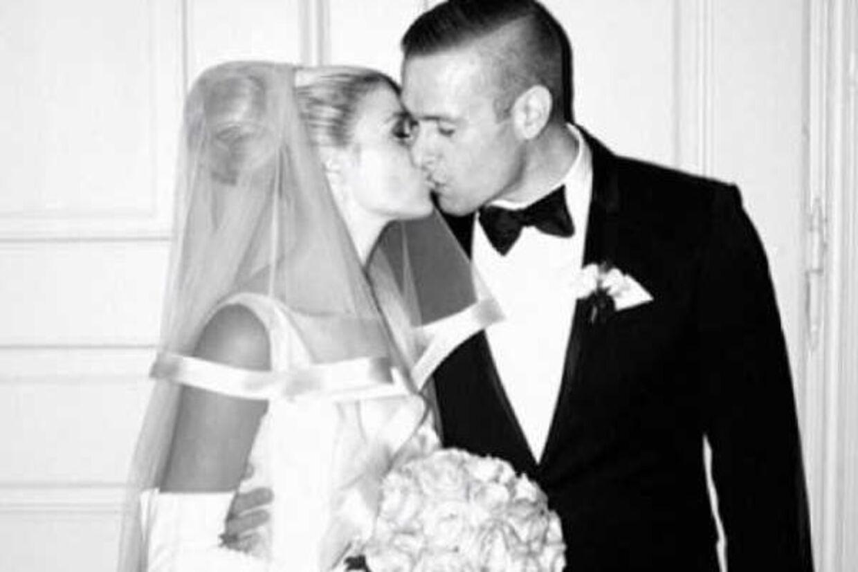 Her er bryllupsbilledet af Vild med Dans-værtinden Christiane Schaumburg-Müller og rapperen L.O.C. (privatfoto).