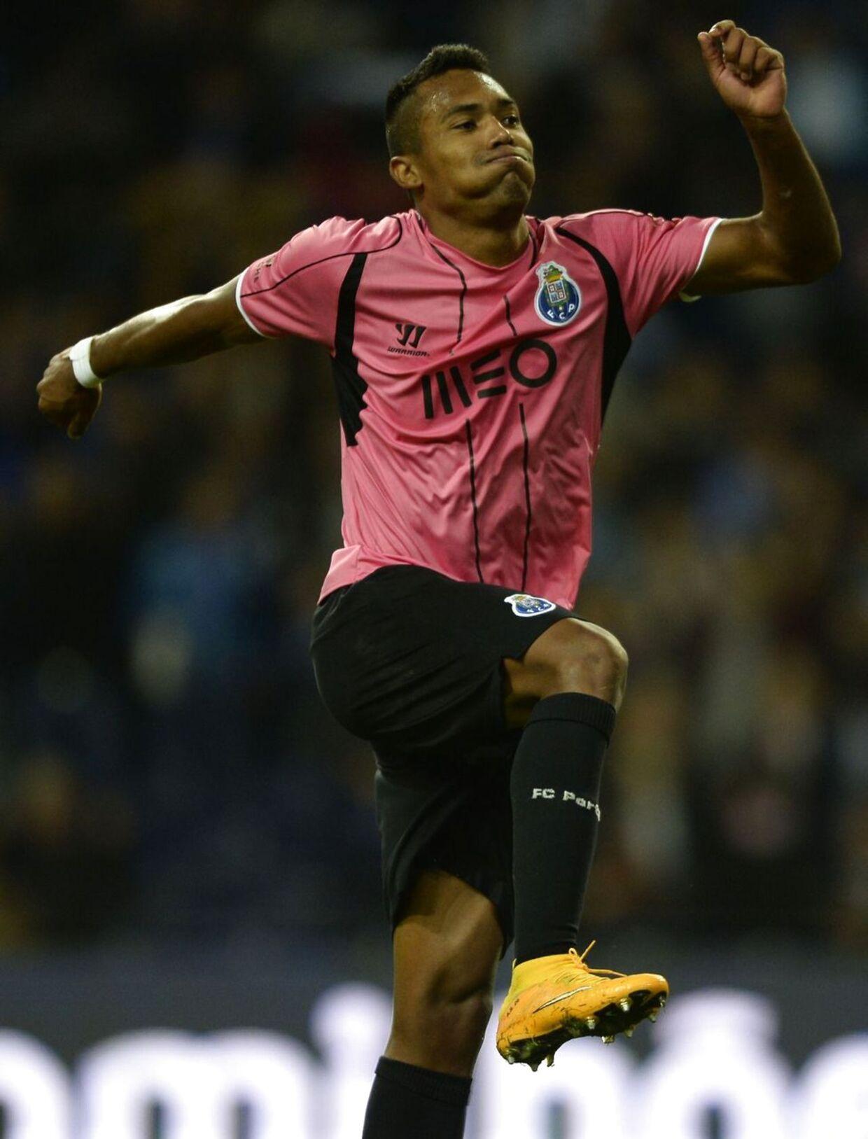 Brasilianske Alex Sandro jubler efter en scoring for sit klubhold FC Porto.
