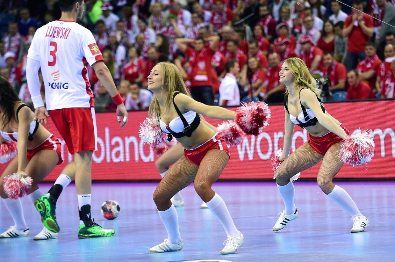 I pausen af kampen mellem Polen-Makedonien.