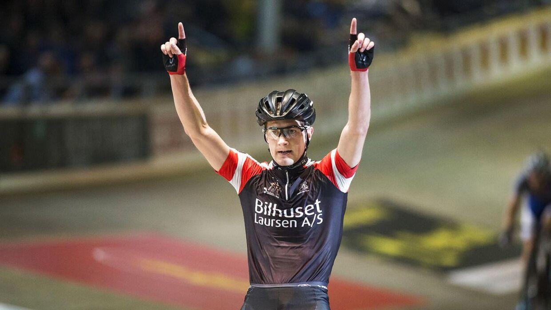 Marc Hester fik ikke lov til at køre finalen ved seksdagesløbet i Ballerup, da hans makker gik ned med sygdom. Men danskeren nåede at markere sig som en af feltets stærkeste ryttere.