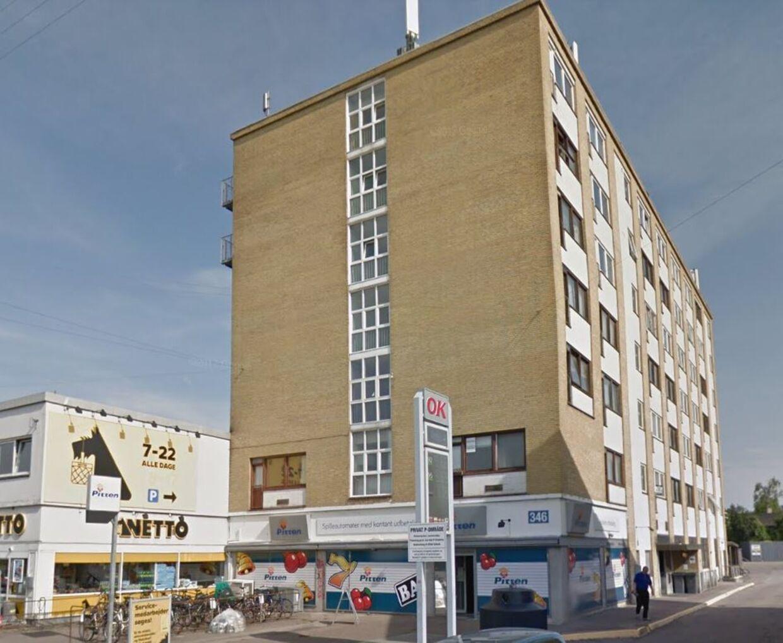 Det er i denne bygning, at Københavns billigste ejerlejlighed ligger. Foto: Google Streetview