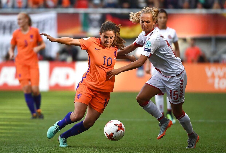 Frederikke Thøgersen i aktion i EM-finalen mod Holland.