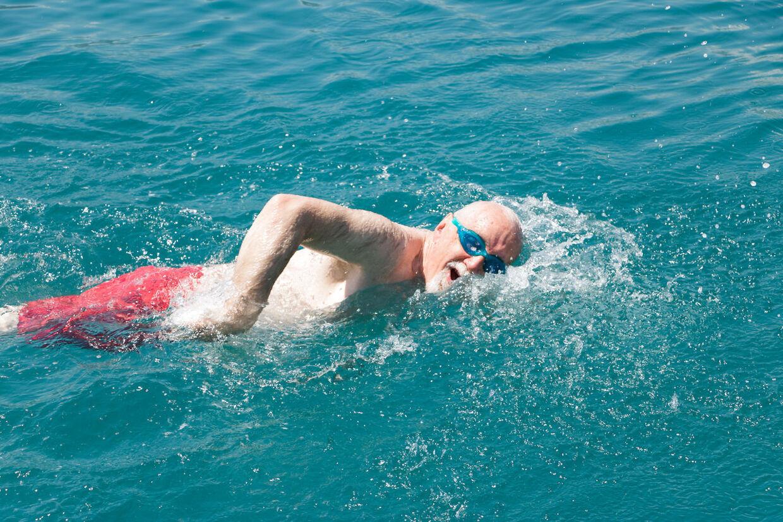 Svøming er en skånsom måde at træne på, når man har rundet de 60.