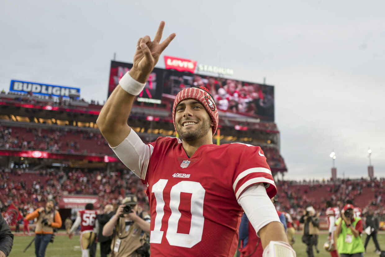 Siden han blev handlet til San Francisco 49ers i oktober har quarterback Jimmy Garoppolo vist, hvorfor New England Patriots i så lang tid afviste at lade ham gå og så ham som arvtager efter Tom Brady. Garoppoli førte 49ers til fem sejre i træk og har stadig ikke tabt som starter i NFL. Foto: USA Today Sports