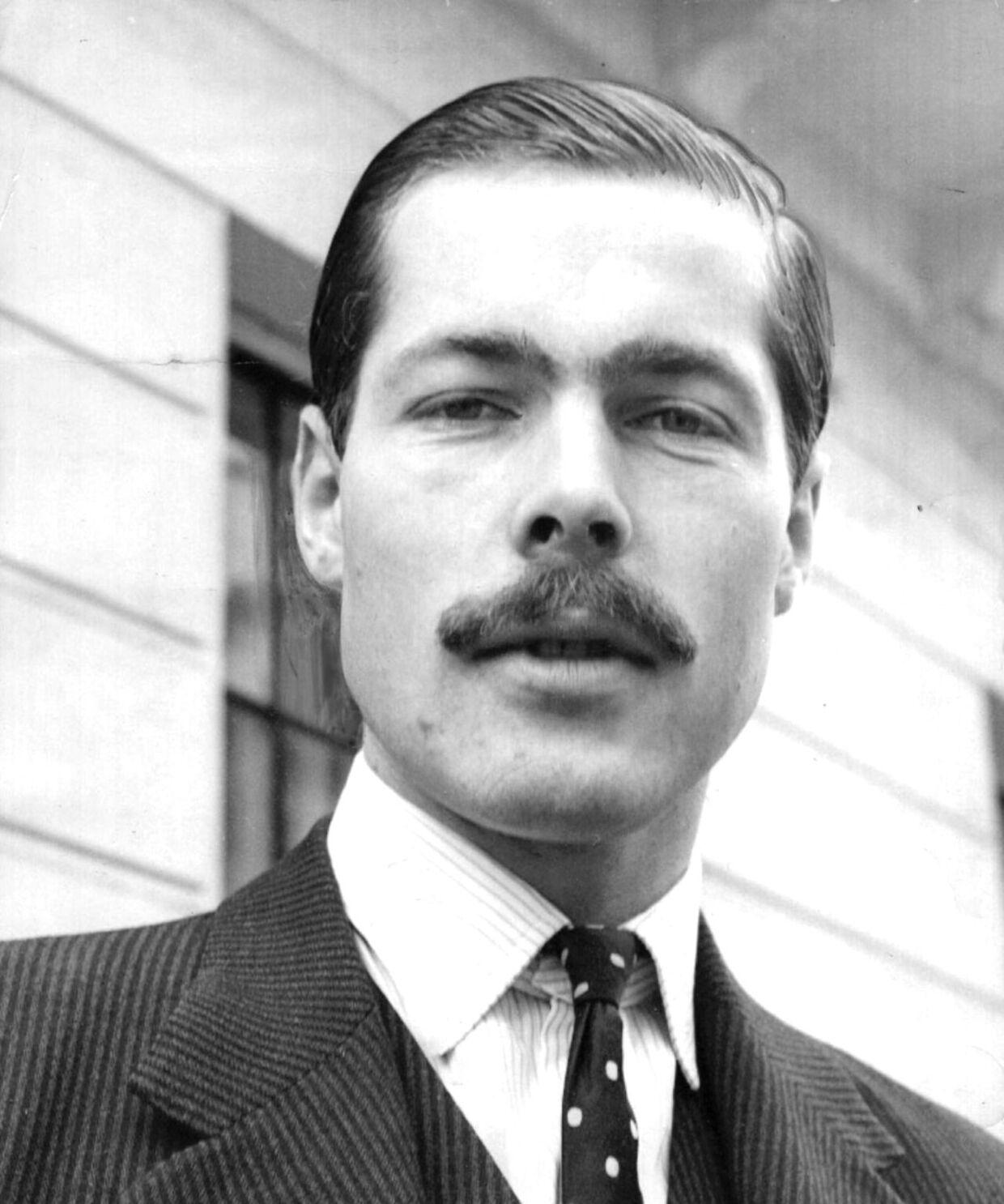 ARKIVFOTO af Lord Lucan, før han forsvandt og blev sigtet for at have dræbt familiens barnepige.