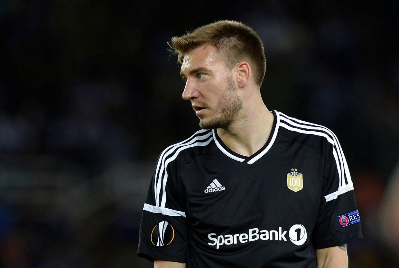 Nicklas Bendtner spiller Europa League med Rosenborg i 2017. Her er han 29 år gammel og på besøg i spanske San Sebastian for at møde Real Sociedad.
