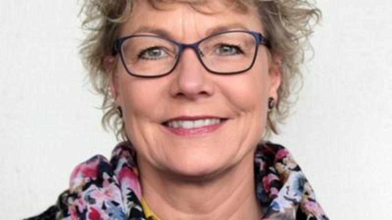 55-årige Ulla Skytte bor i Hornbæk nord for København. Nu vil Lars Løkke Rasmussen have hende til Lolland.