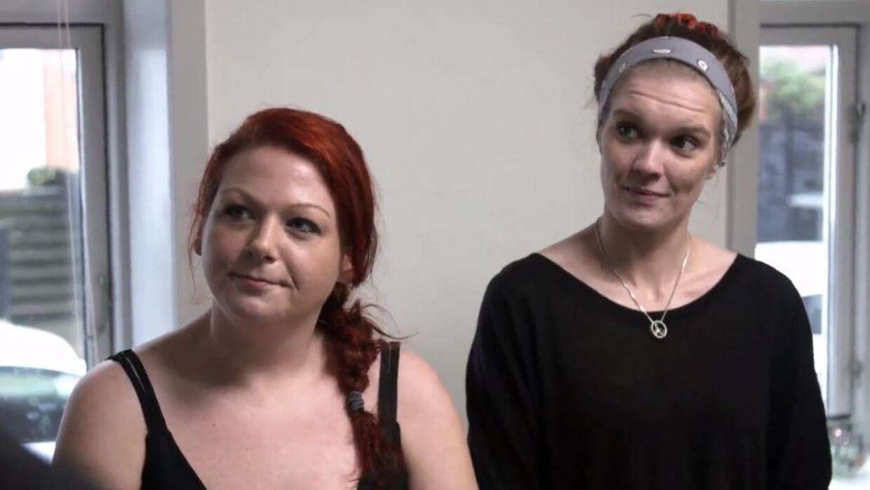 Tina, som ses til venstre på billedet, har følt sig tvunget til at lyve i 'Luksusfælden' på grund af narkogæld.