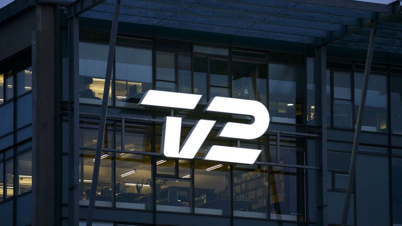 TV 2 logo på tv-stationens kontor i Sydhavnen. Arkiv.