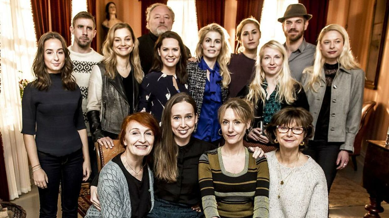 Det er seriens femte sæson, som er på vej og tv-serien fokuserer i denne sæson på sommeren 1932, hvor der ud over de faste gæster ankommer et rigt københavnsk par.