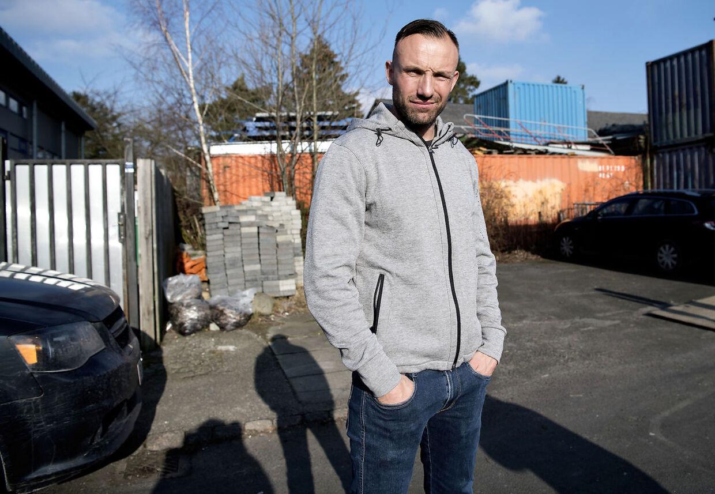 Mikkel Kessler i og ved sit hovedkvarter på Møllelodden uden for Dragør.