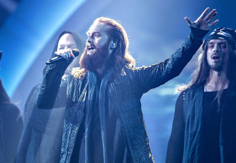 """Sang nummer 3: """"Higher Ground"""" med Rasmussen (Jonas Flodager Rasmussen) i Dansk Melodi Grand Prix 2018."""