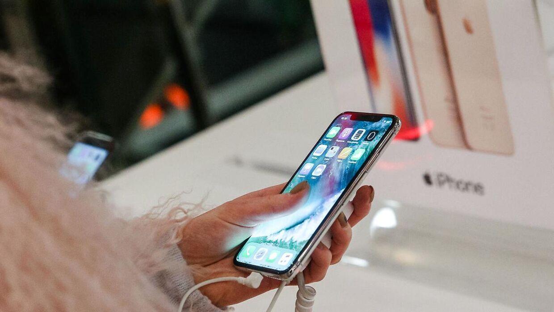Apples iPhone X er født med en stor, flot skærm. Men mange oplever, at den ikke vil tænde, når telefonen ringer.