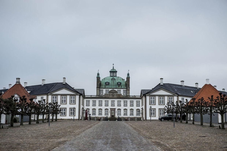 Fredensborg Slot, tirsdag den 13. februar 2018. Prins Henrik er tirsdag blevet overført fra Rigshospitalet til Fredensborg Slot, hvor Prinsen ønsker at opholde sig i sin sidste tid. Prinsens tilstand forbliver alvorlig.