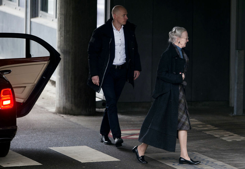Dronning Margrethe besøger prins Henrik på Rigshospitalet hvor han fortsat var indlagt mandag den 12. februar 2018.