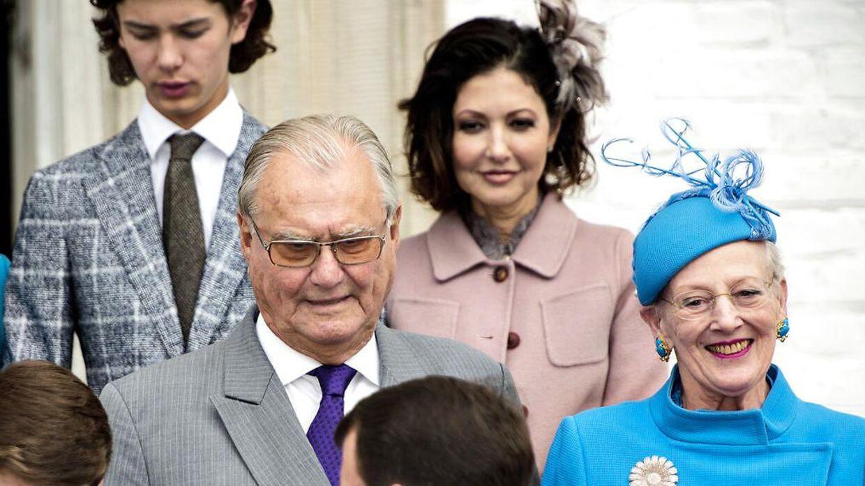 Her ses grevinde Alexandra i selskab med blandt andet prins Henrik til prins Felix' konfirmation i foråret 2017.