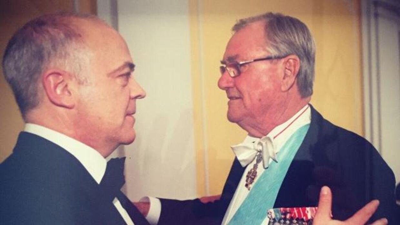 Jes Dorph-Petersen og Prins Henrik efter gallamiddagen, der markerede Dronningens 70 års fødselsdag.