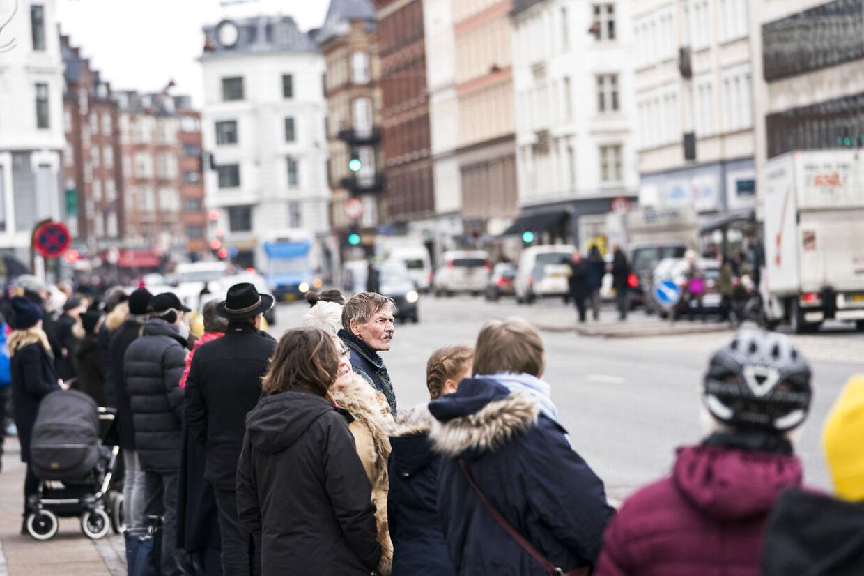 På billedet: Kongefamilien kører i parade med Prins Henriks kiste fra Fredensborg slot gennem København til Amalienborg torsdag d. 15 februar 2018.