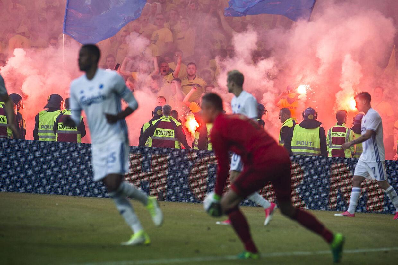 Der var gang i den - for meget gang i den - da FCK og Brøndby mødtes i pokalfinalen sidste år. (Foto: Ida Marie Odgaard/Scanpix 2017)