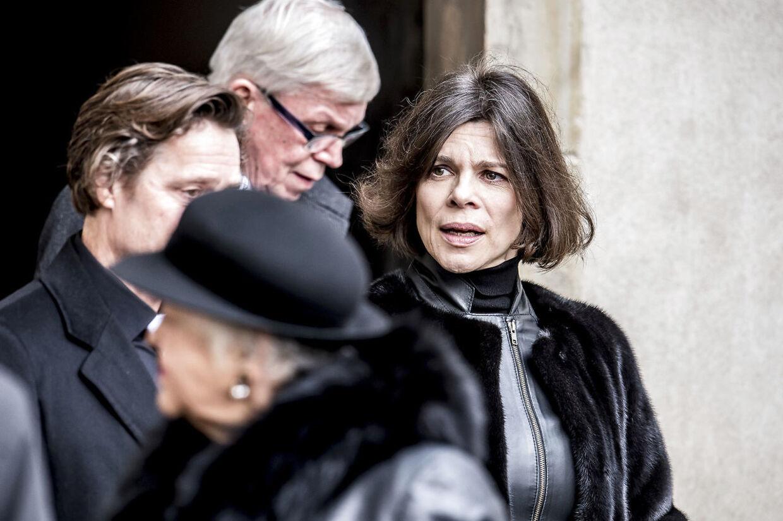 Ellen Hillingsø forlader Castrum Doloris for særligt indbudte i Christiansborg Slotskirke, mandag den 19. februar 2018.