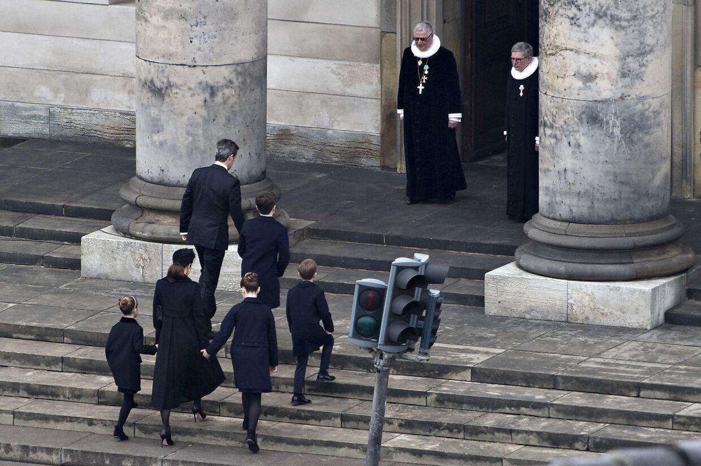 Kronprinsen og familie ankommer. Prins Henriks bisættelse fra Christiansborg Slotskirke i København, tirsdag den 20. februar 2018. Prins Henrik døde tirsdag den 13. februar 2018.