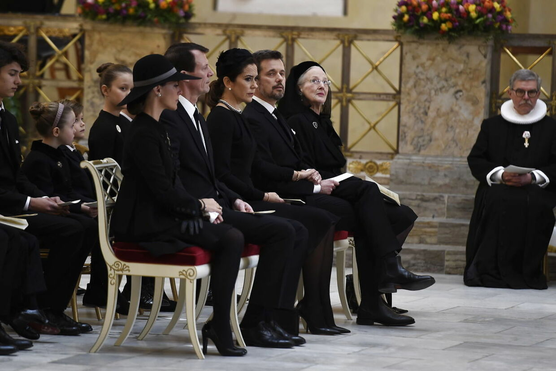 Prinsesse Marie, prins Joachim, kronprinsesse Mary, kronprins Frederik og dronning Margrethe.