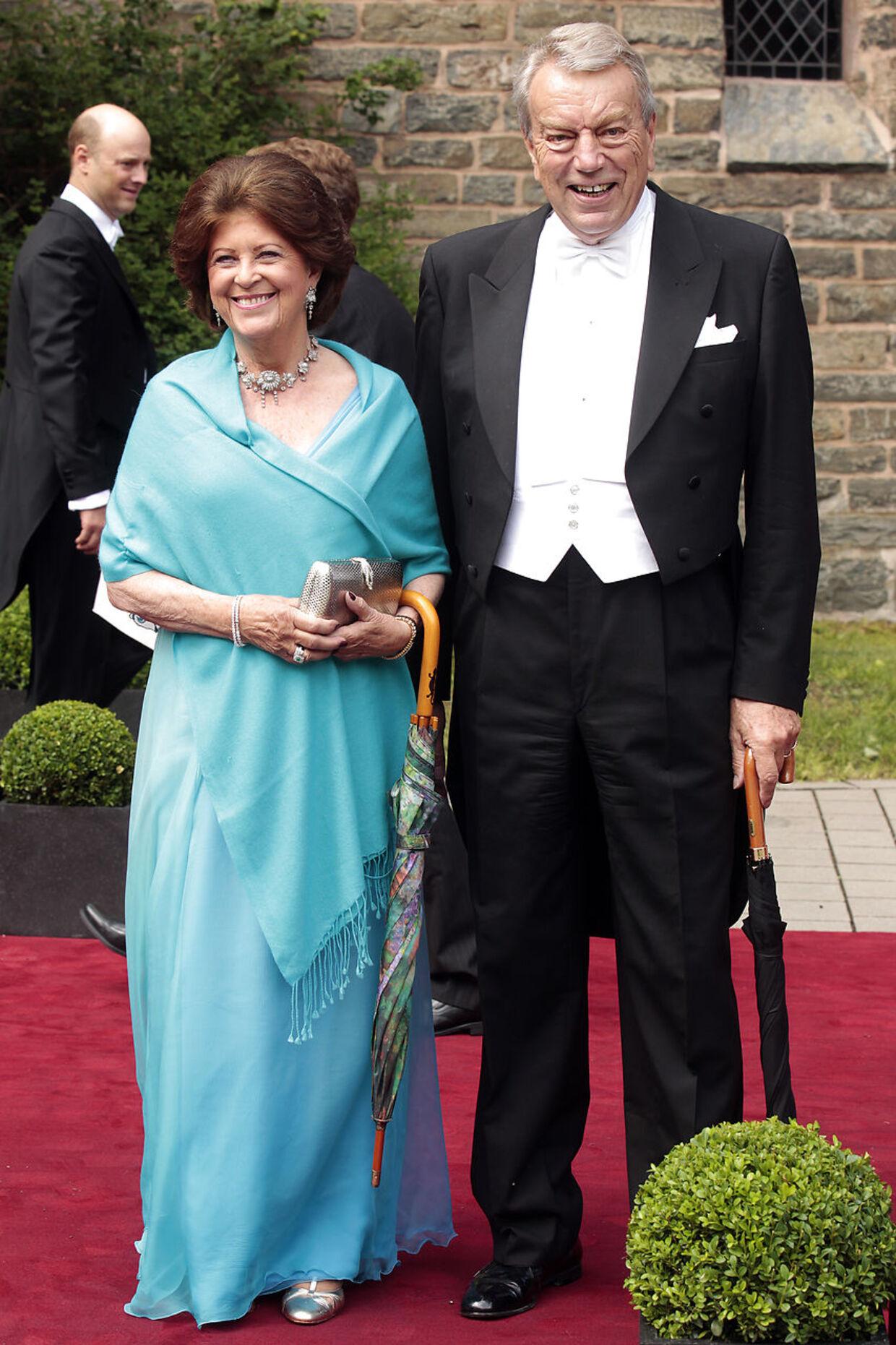 Brita Ahlefeldt-Laurvig og lensgreve Preben er nære venner af dronning Margrethe. De er også parat til at støtte Dronnigen, hvis hun har behov for det.