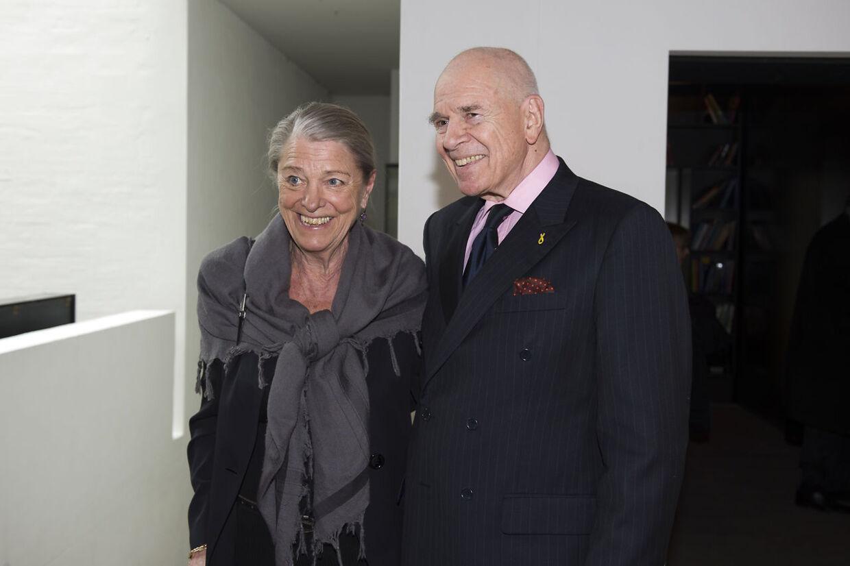 Venner som ægteparret Kjeld og Birgitta Hillingsø er klar til at stå deres nære ven Dronning bi, hvis og når hun har behov for det.