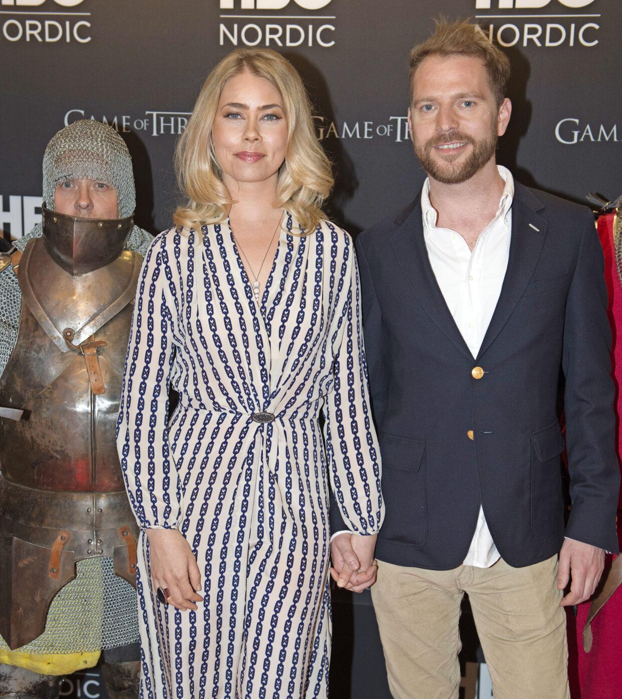 Galla i forbindelse med femte sæson af 'Games of Thrones'. Her er Birgitte Hjort Sørensen sammen med kæresten journalist Mikkel Frey Damgaard. Foto Unger Anthon
