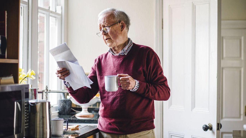 Kniber det med at finde penge til den halvårlige betaling af ejendomsskat, kan pensionister låne pengene til skatten af kommunen ganske billigt. Lånet kan også bruges til at forsøde tilværelsen for mere vedstillede pensionister. Det er nemlig langt billigere at låne pengene af kommunen end at optage et tilsvarende lån i boligen hos realkreditinstituttet.